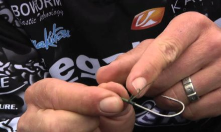 How to tie a Snell Knot with Aaron Martens
