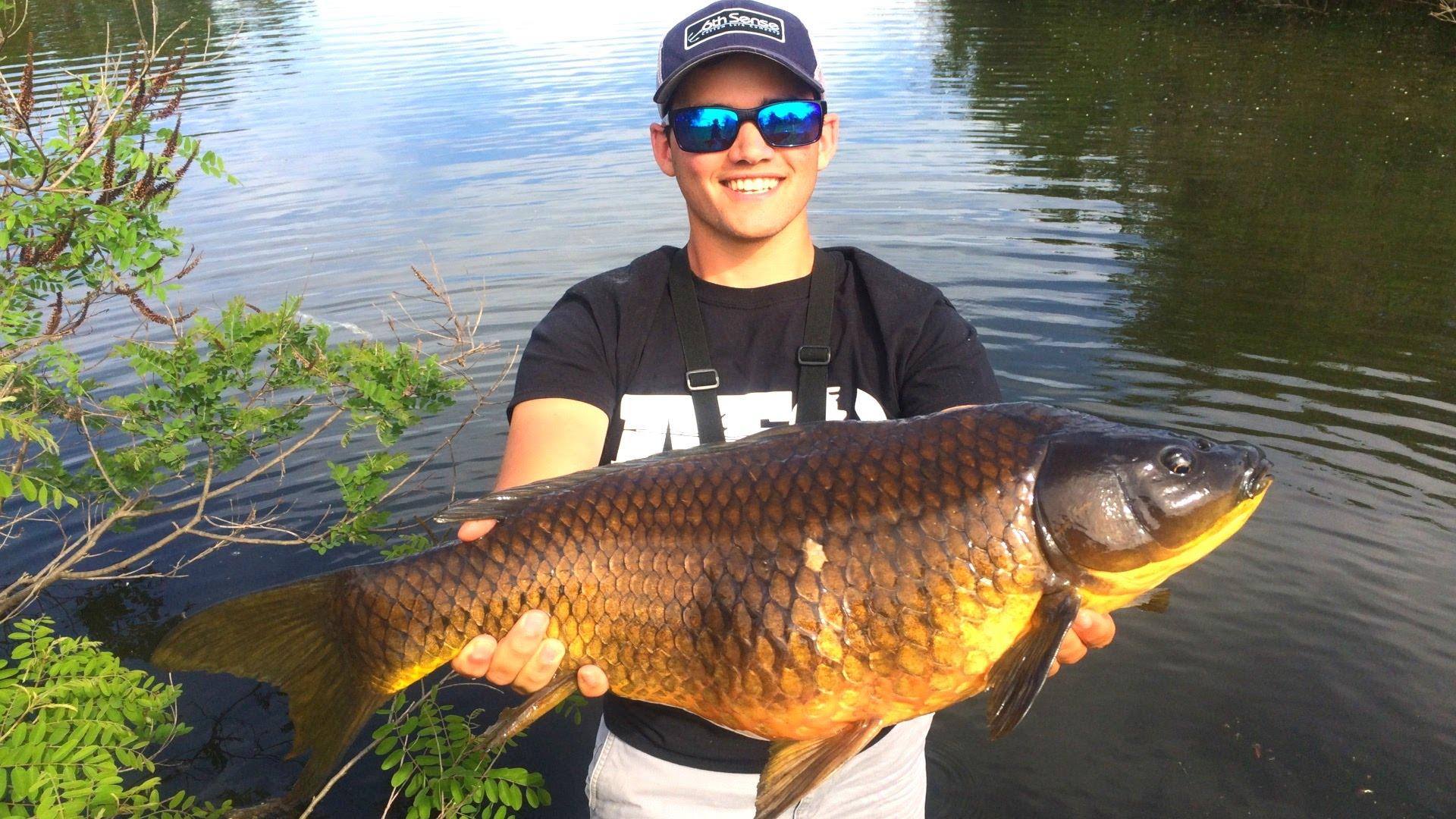 Flair - Fly Fishing for GIANT Carp! - VLOG