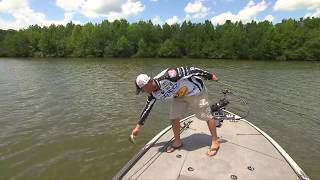 MajorLeagueFishing – Major League Lesson: Marty Robinson on Skipping a Jig