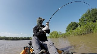 Flipping BIG Bass UP CLOSE in Kayaks