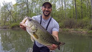 Incredible Topwater Bass Fishing Action for Pre-Spawn & Spawning Bass (Bluegill Popper!!!)