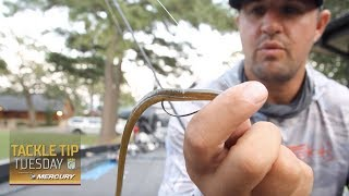 Bassmaster – Setting up a drop shot with Cory Johnston