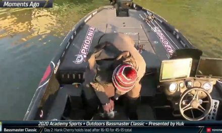 Bassmaster – Anglers trying to chase down Hank Cherry