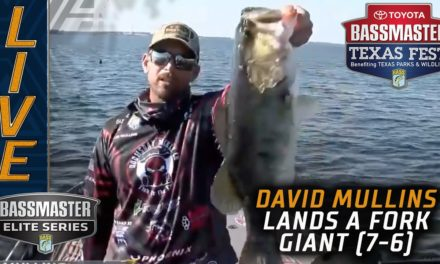 Bassmaster – David Mullins day-saving giant bass at Lake Fork